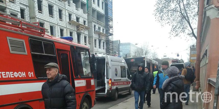 НаВасильевском автобус, отъезжая отостановки, сбил мужчину