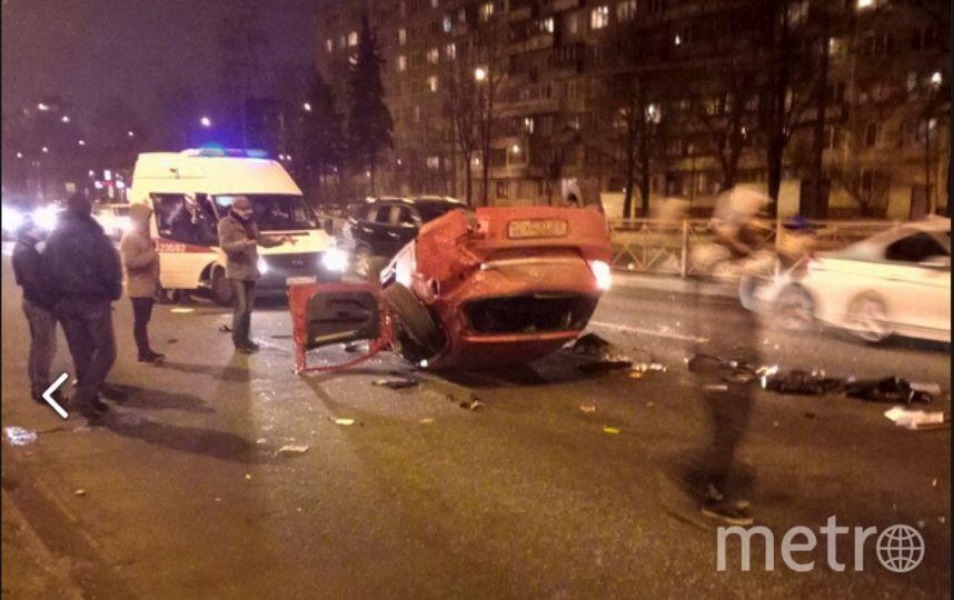 Страшное ДТП произошлоа на Софийской. Фото vk.com/spb_today