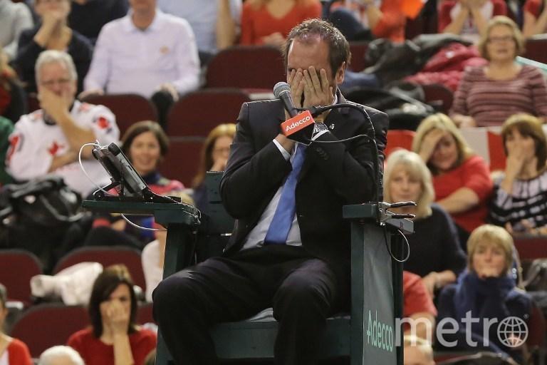 Шаповалов попал мячом в глаз арбитра. Фото AFP