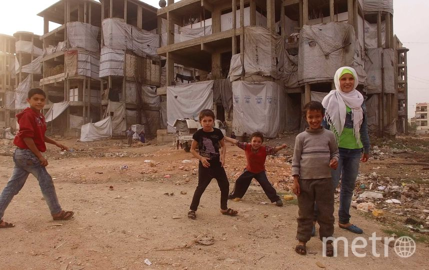 """Жители пострадавших от бомбёжки домов устраивают свой был как могут. Фото Александр Пушин, предоставлено пресс-службой Сада """"Эрмитаж"""""""