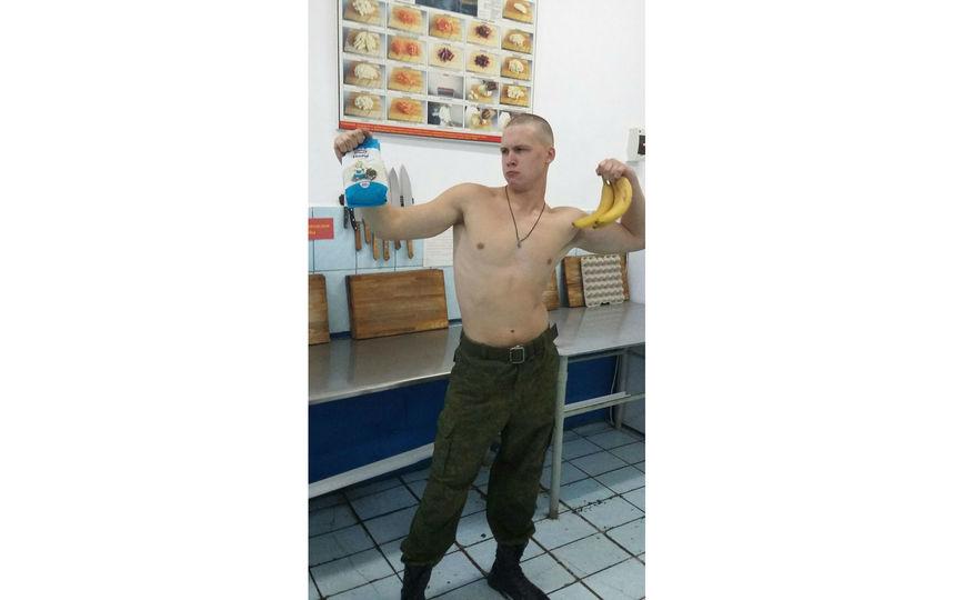 Отправляю фото моего сына, когда он служил в армии (войска ВКС). Службу проходил на Дальнем Востоке в Находке 2015-2016 гг. Дембелизовался в ноябре 2016 года. Высылаю сразу несколько фотографий на ваш суд. Фото Корнева Ольга Сергеевна