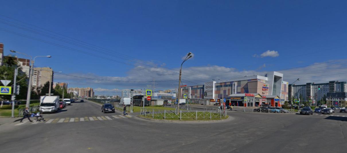 """Вестибюль станции """"Зоопарк"""" планируется построить рядом с перекрестком Шуваловского проспекта и Планерной улицы. Фото Скриншот/ Яндекс.Карты"""
