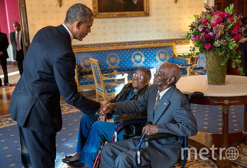Ричард Овертон на встрече с бывшим президентом США Бараком Обамой. Фото Official White House Photo by Lawrence Jackson Permission.