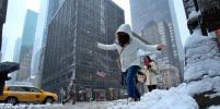 Нью-Йорк завалило снегом (фото)