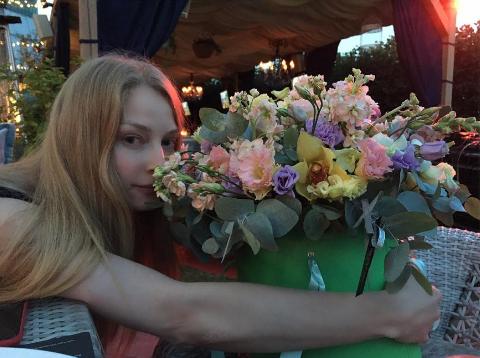 Поклонники разнесли впух ипрах свадебный образ Светланы Ходченковой