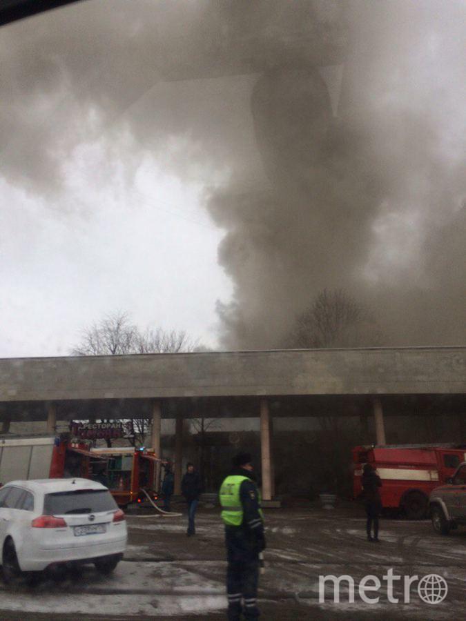 В Петербурге загорелся ресторан на Московском проспекте. Фото «ДТП и ЧП | Санкт-Петербург»