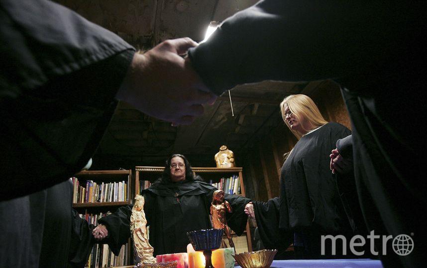 Петербургский депутат предложил легализовать магов. Фото Getty