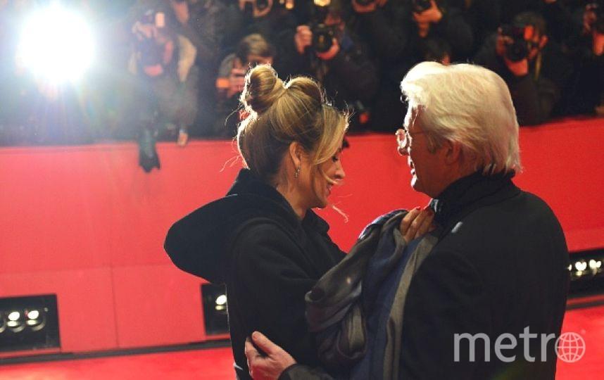 Ричард Гир в сопровождении своей возлюбленной - Алехандры Силва. Фото Getty