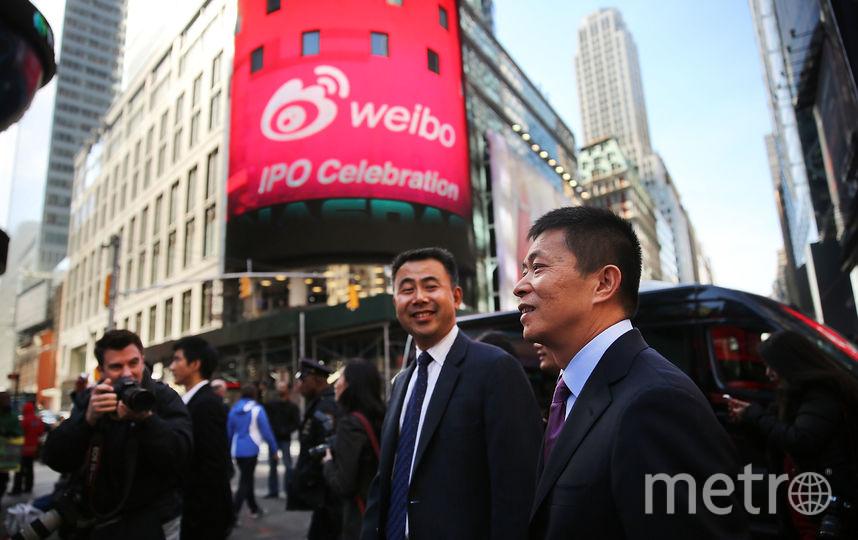 Глава компании Weibo на Таймс-Сквер в Нью-Йорке. Фото Getty