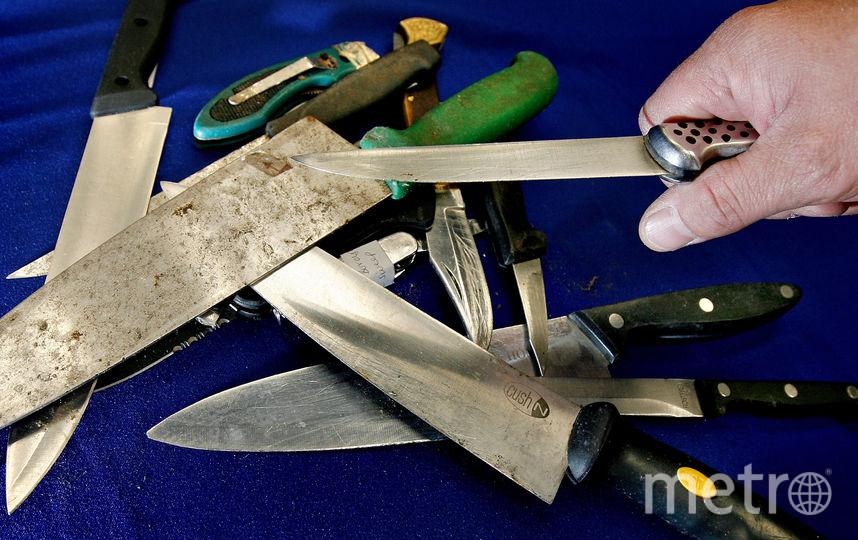 В Петербурге пьяный отчим бросил нож в свою падчерицу. Фото Getty