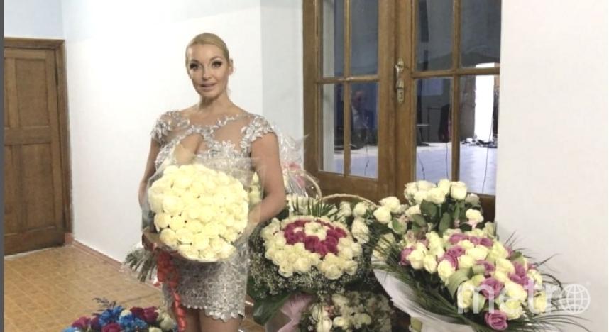 Анастасия Волочкова на отдыхе в Ленобласти.