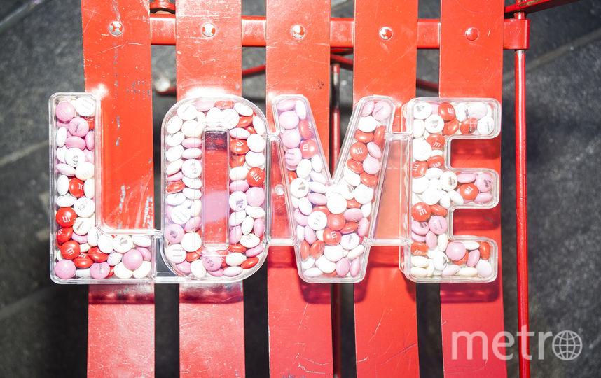 """День Влюбленных или просто вторник: В соцсетях 14 февраля разгорелась """"война"""". Фото Getty"""