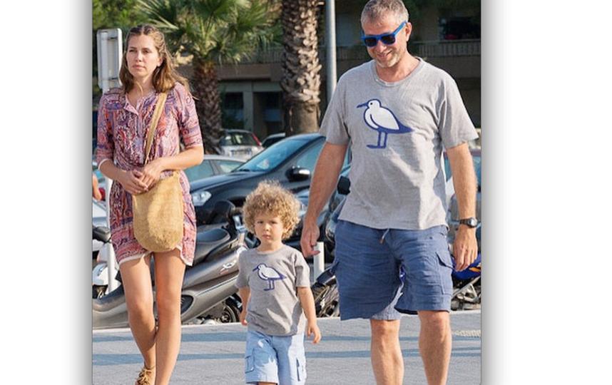 Роман Абрамович и Даша Жукова с сыном. Фото instagram/celebrity_live