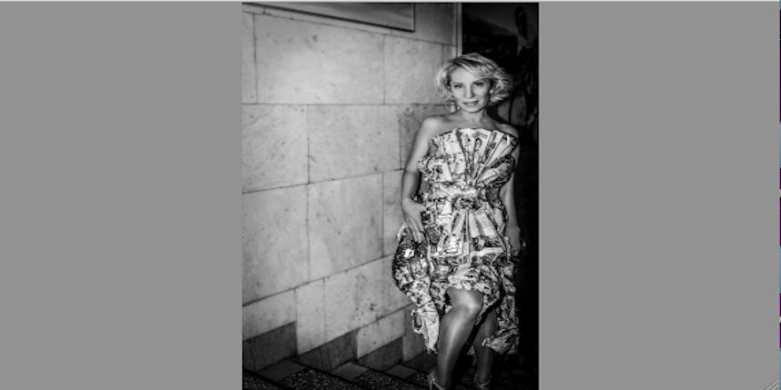 Марина в бумажном платье. Фото Глеб Жеглов