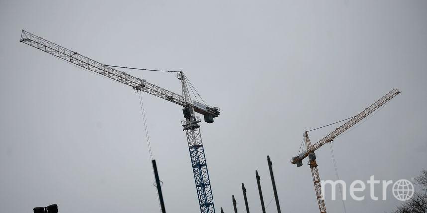 ВПетербурге рабочего убило упавшими с25-го этажа кирпичами