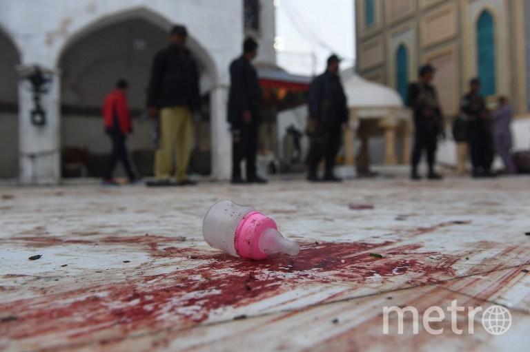 Ещё 300 человек получили ранения. Фото AFP