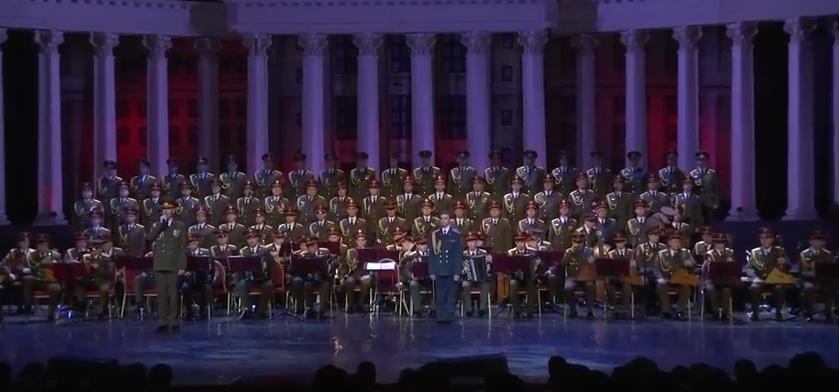 Ансамбль имени Александрова на первом концерте после гибели товарищей. Фото скриншот YouTube