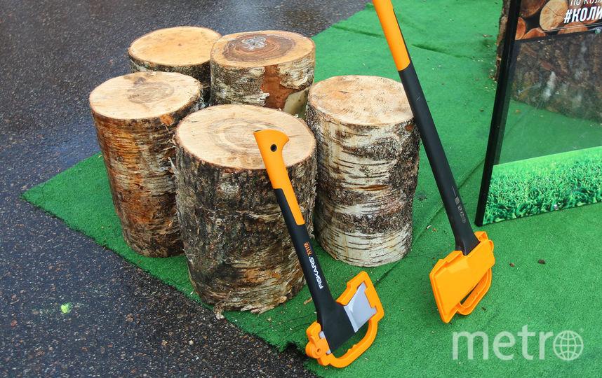 Инструменты и принадлежности для рубки дров. Фото Василий Кузьмичёнок