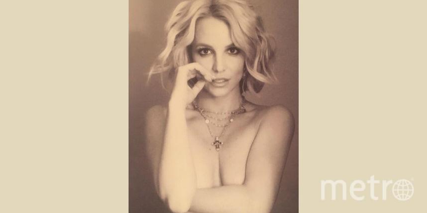 Бритни Спирс сфотографировалась, надев из одежды лишь украшения