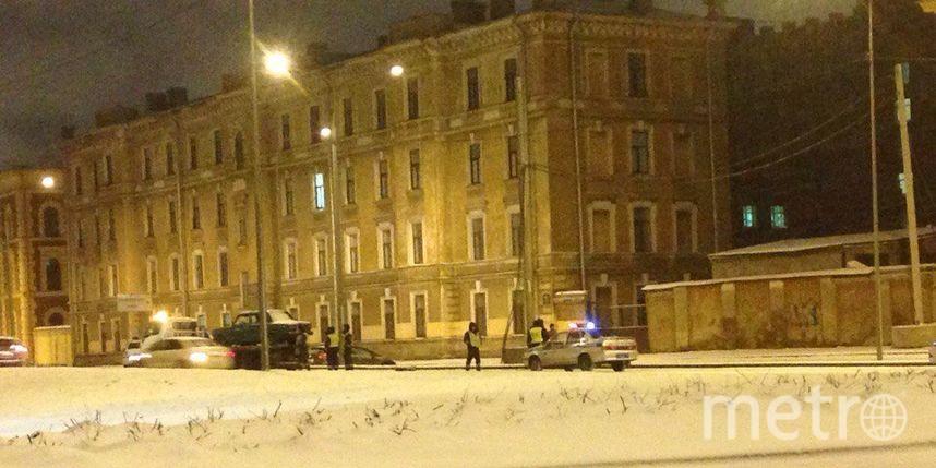 Нетрезвый таксист спассажирами вавто пытался исчезнуть от милиции вПетербурге