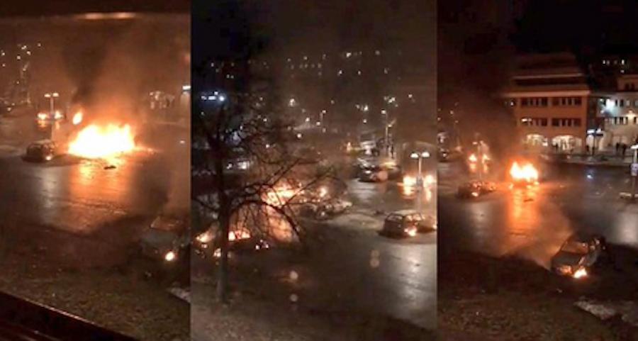 В столице Швеции мигранты устроили беспорядки. Фото Twitter: @V_of_Europe