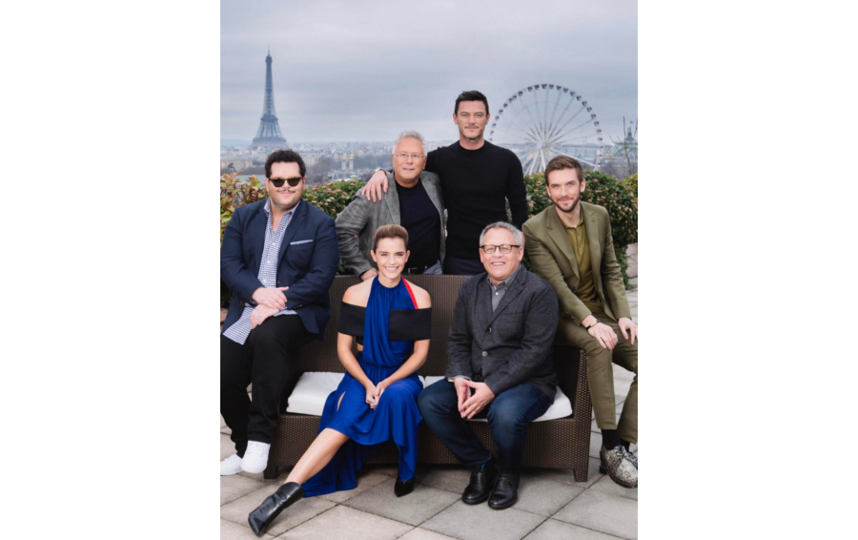 """съемочная группа на премьере """"Красавицы и чудовища"""" в Париже. Фото Instagram"""