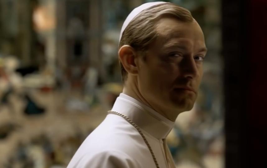 """Кадр из фильма """"Молодой Папа"""". Фото кадры из фильма, Wikipedia"""