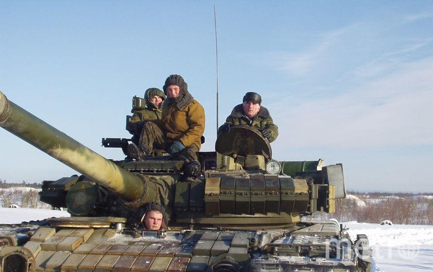 Лен.Во. Гарболово.2005год. Всех  с праздником  Защитника  Отечества! Фото Владимир Александрович.
