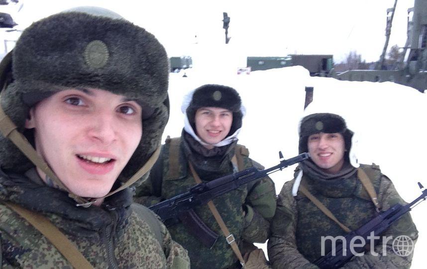 Мой брат, служит в армии на данный момент.  Мурманск. Фото Алекса Морозова.
