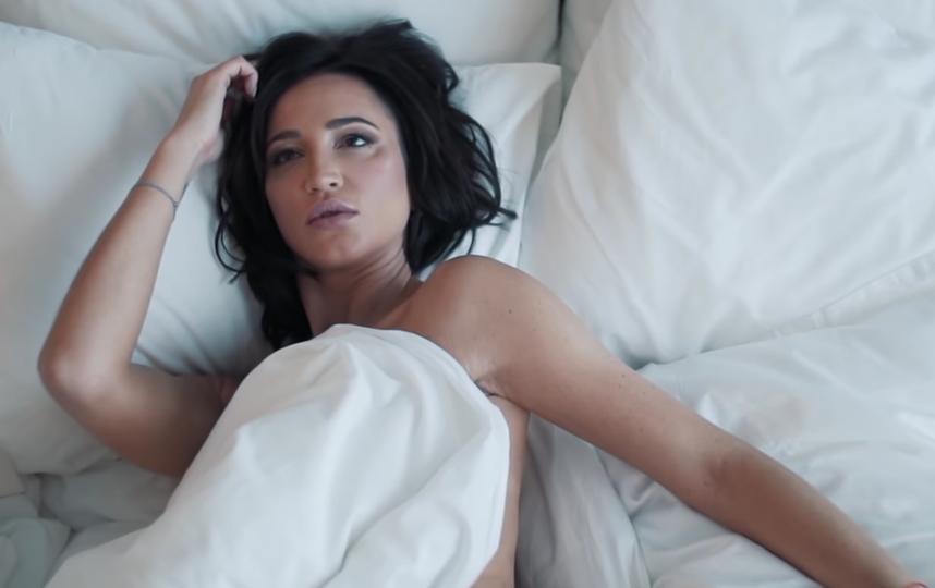 """Скриншот первого клипа на песню """"Привыкаю"""". Фото Скриншот Youtube"""