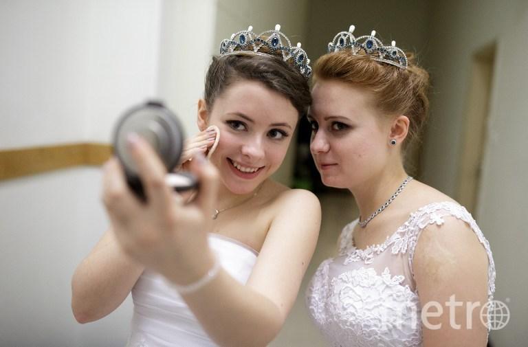 Дебютантки Венского Оперного бала. Фото AFP