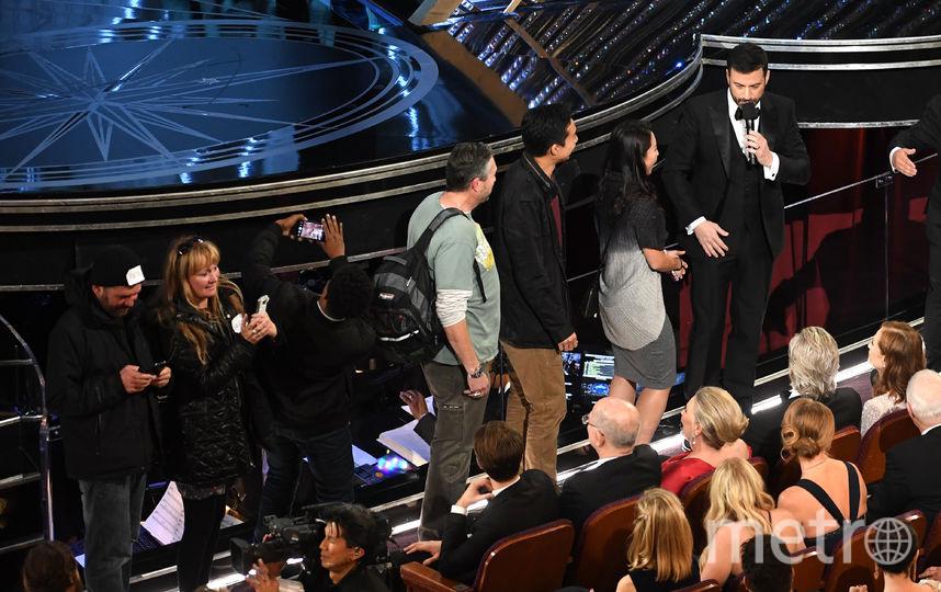"Туристы на церемонии вручения ""Оскар""-2017. Фото Getty"