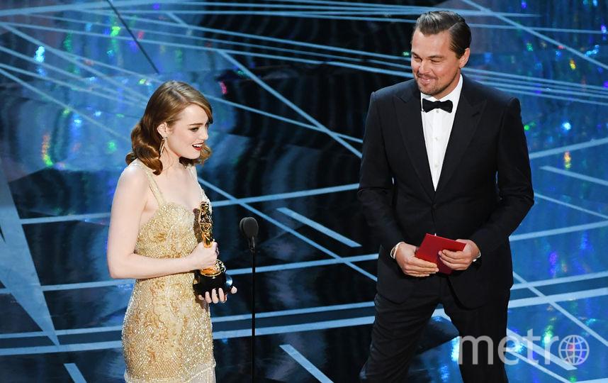"""Леонардо ДиКаприо вручил """"Оскар"""" Эмме Стоун. Фото Getty"""