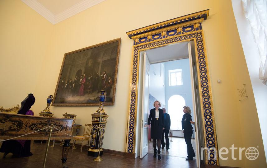 ВЕкатерининском замке воссоздана лазуритовая отделка XVIII века