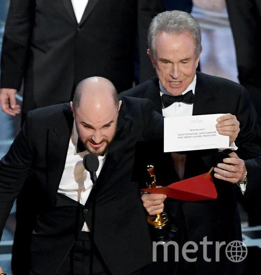 Джордан Хоровиц и Уоррен Битти оглашают победителя номинации. Фото Getty