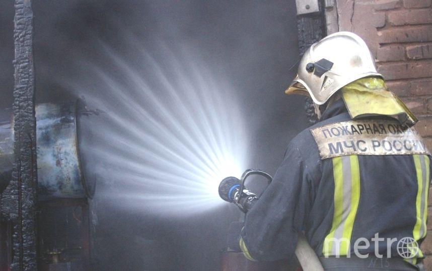 """Серьезный пожар произошел утром 1 марта в Петербурге. Фото """"Metro"""""""