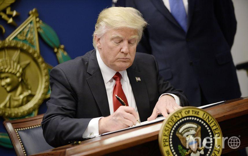 Дональд Трамп в Овальном кабинете Белого дома. Фото Getty