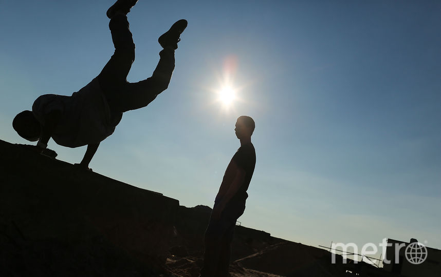 В Петербурге умер сорвавшийся с крыши юный паркурщик. Фото Getty