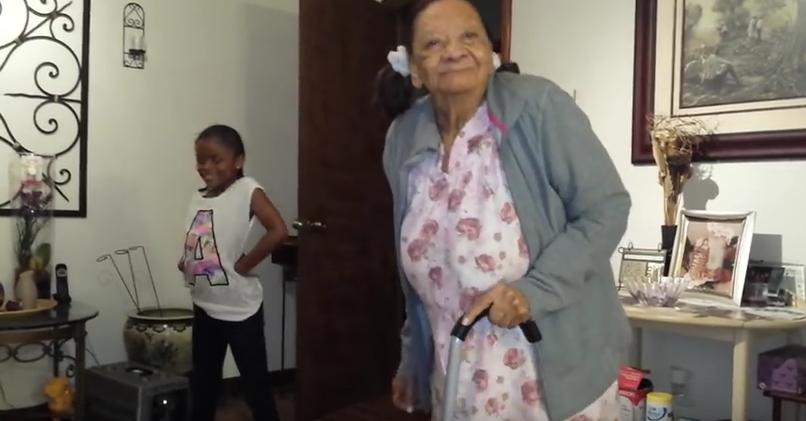Танец 100-летней бабушки взорвал Сеть. Фото Скриншот Instagram/treasure_marnae