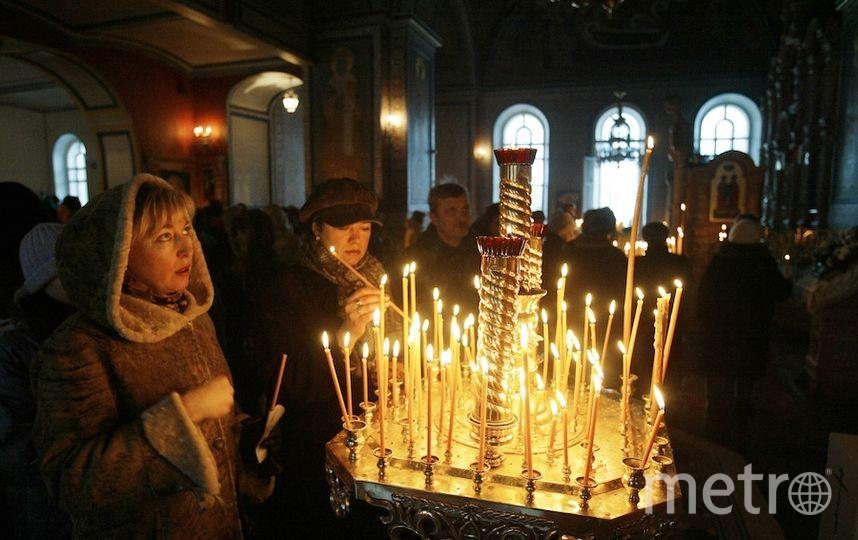 Уральские школьники устроили фотосессию в монастыре вукраденной усвященников одежде