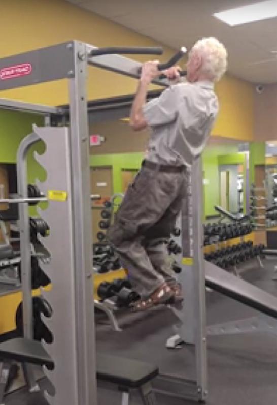 Пенсионер из Флориды по имени Верн. Фото Канал: Verny Boy., Скриншот Youtube