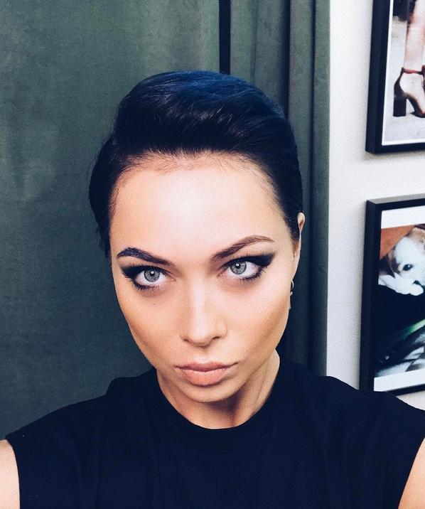 Настасью Самбурскую довели до слез в день рождения. Фото Скриншот Instagram/samburskaya