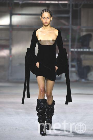 Показ Saint Laurent на Неделе моды в Париже. Фото Getty