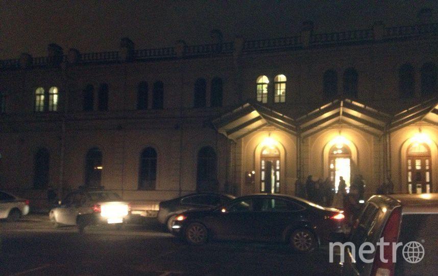 ВПетербурге из-за угрозы минирования эвакуирован ТРК «Варшавский экспресс»