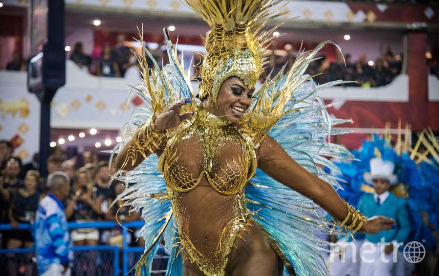 Карнавал в Рио. 2017. Участница школы самбы Portela. Фото Getty