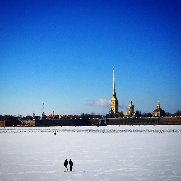 Петербуржцы вышли на прогулку по Неве. Фото Скриншот Instagram: mayana456