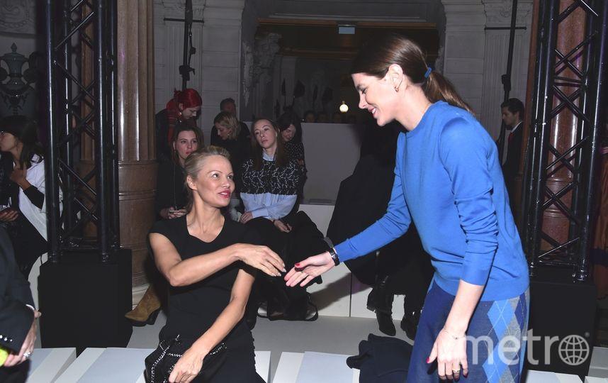 Звезды на показе Стеллы Маккартни в рамках Недели моды в Париже. Фото Getty