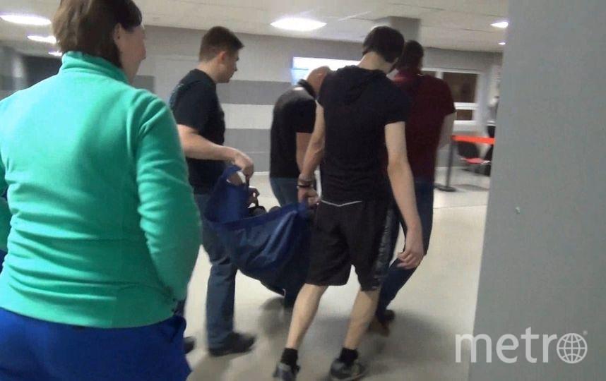 Полицейские задержали 6 граждан, незаконно хранивших наркотики на прошедшем фестивале музыки в спортивном комплексе «Юбилейный». Фото ГУВД Петербурга