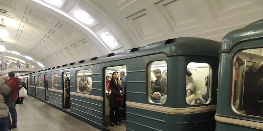 kitayka-v-metro-video