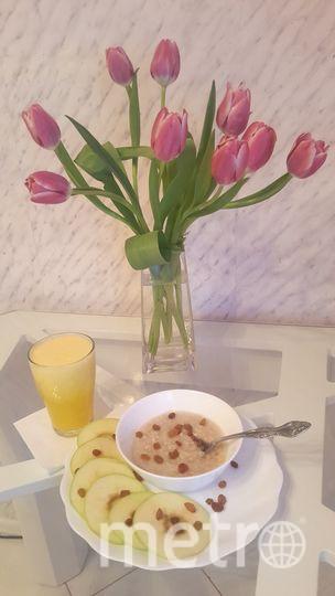 Полезный завтрак: Овсяная каша с изюмом и апельсиновый фреш. Фото Ольга Викторова